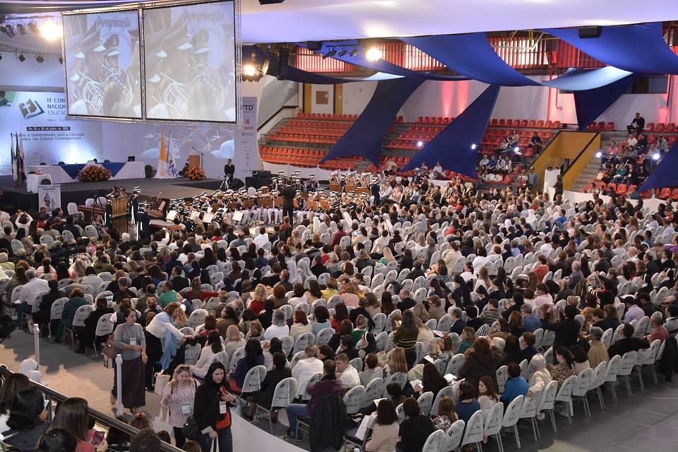 Educadores de todo o país comparecem ao primeiro dia do Congresso. Foto: Divulgação ANEC