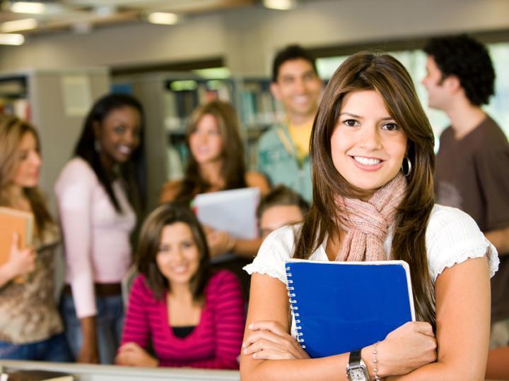 materia mulheres estudantes