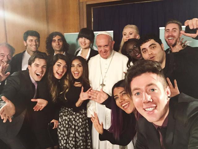 Selfie-YouTube-Pope-Francis_reproducao